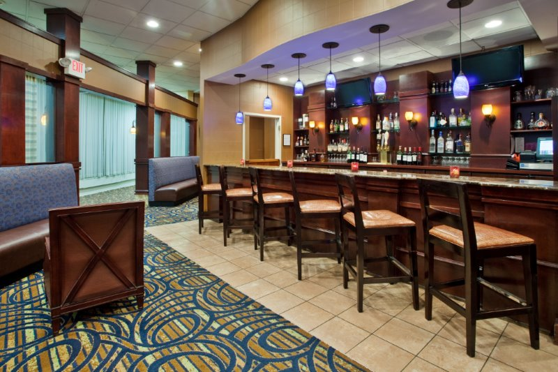 Independence Ohio Restaurants Crowne Plaza Cleveland South